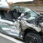 Autos auf A9 und A38 fast zeitgleich unter LKW gekracht