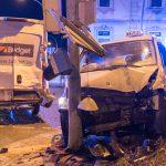 Ampel missachtet: Drei Schwerverletzte bei Unfall in Weimar