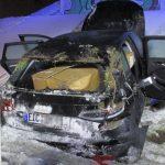 """Audi kracht in Schild """"Runter vom Gas"""" auf A4 bei Ronneburg"""