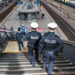 Personenkontrollen durch Landes- und Bundespolizei am Hauptbahnhof Erfurt