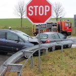 Vorfahrt missachtet: Drei Personen in Heiligenstadt schwer verletzt