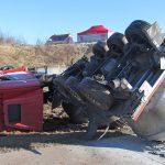 Alu-Laster umgekippt: Hoher Sachschaden auf A38