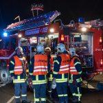 Unfall im Kreisverkehr: Güllewagen bei Bad Langensalza umgekippt