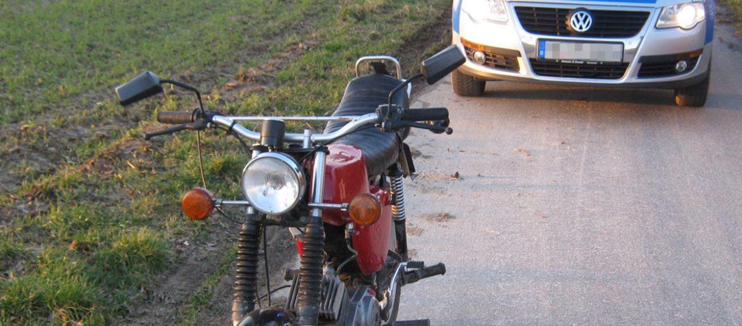 Moped-Fahrer flüchtet: Poller hindern Polizei an der Verfolgung