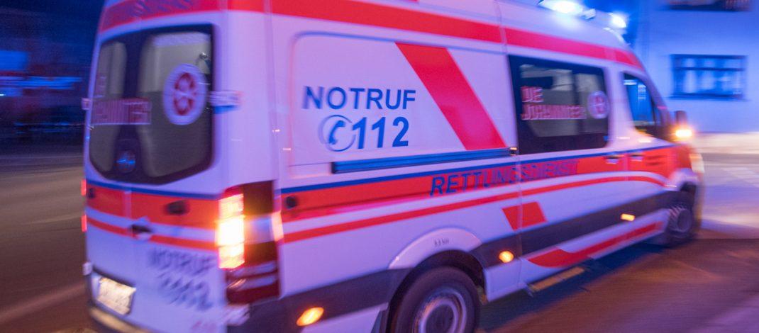 Auto am Fahrbahnrand gerammt: Schwerverletzter nach Unfall in Uelleben