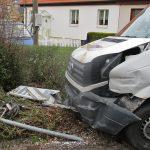 Hoher Sachschaden: Vorfahrt in Weimar-Taubach missachtet
