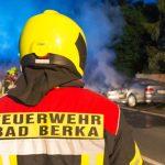 Auto plötzlich in Flammen: Vollsperrung der B85 bei Bad Berka