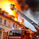 Großbrand in Südthüringen: Feuer griff auf zwei Gebäude über
