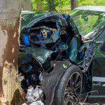 Mini kracht gegen Baum: Fahrerin bei Weimar schwer verletzt
