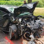 Frontal gegen Baum: Fahrer bei Zella-Mehlis schwer verletzt