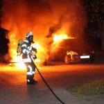 Zwei Autos fielen Flammen in Heiligenstadt zum Opfer