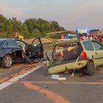 Twingo völlig zerstört: Frau stirbt bei Unfall nahe Arnstadt