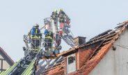 Bewohner und Haustiere gerettet: Einfamilienhaus brennt in Gräfentonna