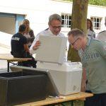Tolle Geste: Innenminister Maier überrascht Polizei mit leckerem Eis