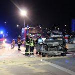 Auto kracht in Leitplanke: Gips verteilt sich auf der A38