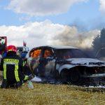 Auto am Rande des SonneMondSterne-Festival abgebrannt