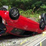 Beim Abbiegen überholt: Autos überschlagen sich bei Ilmenau