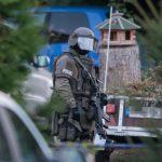 Alkoholisierter Mann bedroht Polizisten mit Waffe: Sondereinsatzkommando nimmt ihn fest