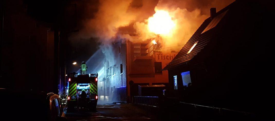 Enorme Rauchentwicklung: Brand zerstört Wohnhaus in Kahla