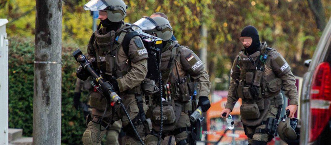 Nach Bedrohungslage: Spezialeinsatzkommando stürmt gewaltsam Wohnung in Erfurt