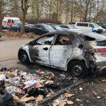 Auto abgebrannt: Polizei sucht Zeugen nach Brandstiftung in Erfurt-Melchendorf