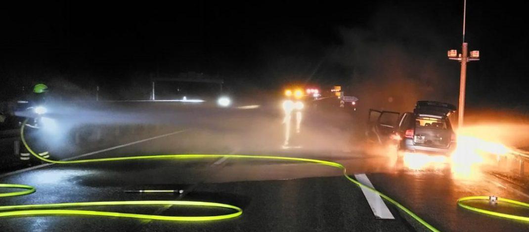 Gasbetriebener Porsche fing auf A71 im Tunnel Hochwald plötzlich Feuer