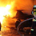 Nächtlicher Alarm in Heiligenstadt: Auto durch Flammen komplett zerstört