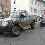 Vorfahrt missachtet: Pickup kracht in Apoldaer Innenstadt in einen Skoda