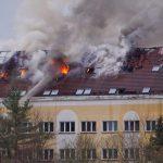 Dachstuhlbrand im ehemaligen Ärztehaus Bad Salzungen beschäftigt Wehren