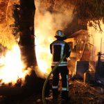 Brand in Gartenanlage: Feuerwehr verhindert Übergreifen auf Gartenhaus