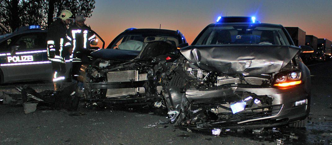 Vorfahrt nicht beachtet: Autos auf B7 beim Napoleonstein zusammengestoßen