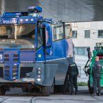 Thüringer Polizei muss Wasserwerfer nach Jena-Spiel gegen Heimfans einsetzen