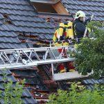 Flammen aus Dachstuhl in Hermsdorf - Familie kann sich rechtzeitig retten