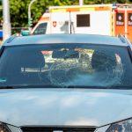 Keine Ampel genutzt: Alkoholisierter Fußgänger von Auto in Erfurt erfasst