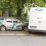 Fußgänger beinahe erfasst: Fahrer unter Drogen rast auf Kreuzung in Weimar