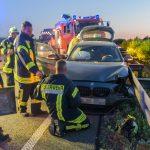 BMW fährt auf A4 mehrfach in die Leitplanke - Fahrerin schwer verletzt