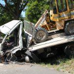 Laster kollidieren im Eichsfeld - Fahrer schwer verletzt eingeklemmt