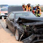 Auto kracht in die Mittelleitplanke: Unfall auf der A38 bei Heiligenstadt