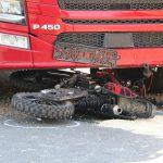 Tödlicher Unfall im Ilm-Kreis: Junger Mann von Laster erfasst