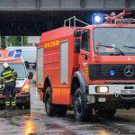 Heftiges Unwetter über Weimar - Rettungswagen auf dem Weg zum Einsatz abgesoffen
