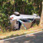 Audi zu schnell unterwegs: 20-jähriger Beifahrer bei Arnstadt schwer verletzt
