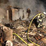 Gartenlaube in Vollbrand - Feuerwehr verhindert Brandausbreitung in Heiligenstadt