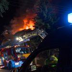 Wohngebäude mit Anbau in Jena abgebrannt - Erschwerte Löscharbeiten