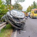 Unfall in Kranichfeld fordert Verletzte - Auto kommt auf Leitplanke zum Stehen