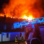 Mehr als 70 Einsatzkräfte bei Gebäudebrand in Lehesten gefordert