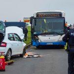 81-Jähriger fährt in Gegenverkehr: Unfall mit Schulbus bei Kölleda