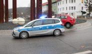 Volltrunken im Dacia: Mann fährt in Sondershausen mit 2 Promille auf Verkehrsinsel