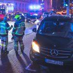 Fahrzeuge in Gera kollidiert - Mercedes fährt gegen Hauswand