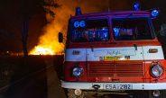Großeinsatz im Wartburgkreis: Strohlager brennt die ganze Nacht