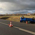 Auto überschlägt sich bei Gotha - Fahrerin und drei Kinder verletzt